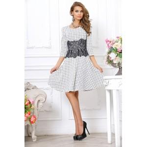 Шикарное приталенное платье с оригинальной вставкой из гипюра вокруг талии арт 3L8122-A1.